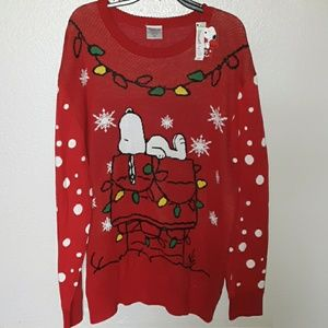 PEANUTS....SNOOPY  HOLIDAY SWEATER